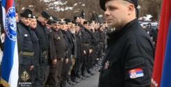 13 Μαρτίου 2016, επέτειος σύλληψης του Ντράζα Μιχαήλοβιτς. Σύγχρονοι τσέτνικ (chetnik) σε παράταξη. Κάνουν κατάληψη στο μαρτυρικό χωριό Visegrad, προκαλώντας τους φιλήσυχους πολίτες.
