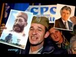 Σύγχρονοι τσέτνικ (chetnik) με στολές του Β' ΠΠ με πορτρέτα Κάρατζιτς και Ντράζα Μιχαήλοβιτς.