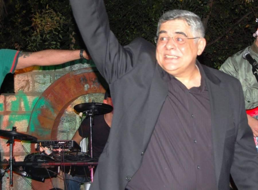 13η Γιορτή Ελληνικής Νεολαίας 'Ιτε Παίδες Ελλήνων', 14/05/2016. Ο Μιχαλολιάκος  χαιρετάει τα πλήθη και πίσω το συγκρότημα.