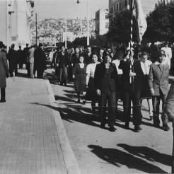 Ο Εφεδρικός ΕΛΑΣ παρελαύνει στην Πλατεία Αριστοτέλους, 30 Οκτωβρίου 1944. Φωτογραφία Νο #16.