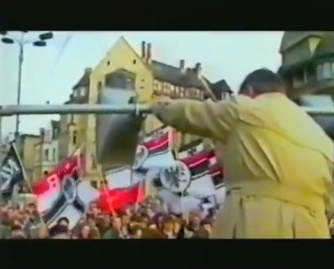 1987, ο Davig Irving βασικός ομιλητής (στα γερμανικά!) σε διαδήλωση υπέρ του Rudolf Hoess