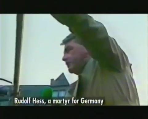 A martyr for Germany: 1987, ο Davig Irving βασικός ομιλητής (στα γερμανικά!) σε διαδήλωση υπέρ του Rudolf Hoess