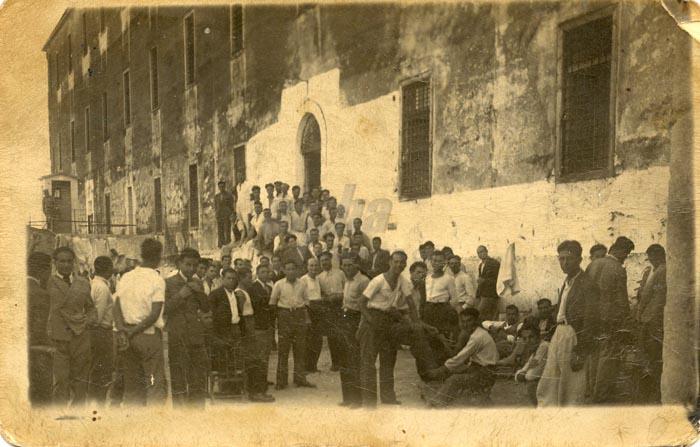 Ακροναυπλία Κρατούμενοι, 1937